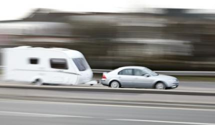 В края на летния сезон все повече каравани кръстосват пътищата ни